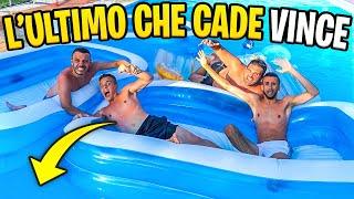L'ULTIMO CHE CADE in PISCINA VINCE!!! - Battaglia in Piscina w/Elites
