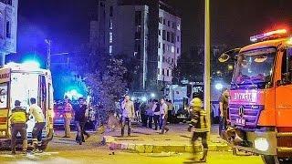 شاهد.. لحظة مقتل 3 أشخاص وإصابة 120 في تفجير شرق تركيا