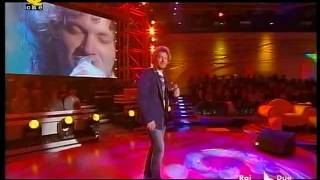 """Matteo Becucci """"Impossibile"""" (live Quelli che 2009)"""