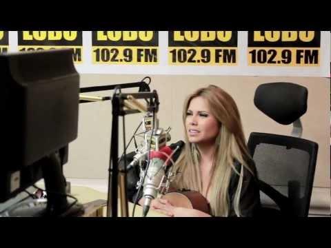 Erika Vidrio Entrevista en Radio Lobo Bakersfield Ca..mp4