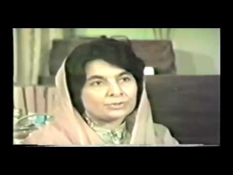 Prof Dr Zahida Durrani talking about Allama Parwez.flv