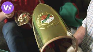 Uniformkontrolle - Putzen oder 50l Bier! Vorbereitung auf den Kölner Karneval