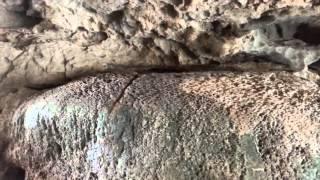 hang động bi hiểm tai nho quan