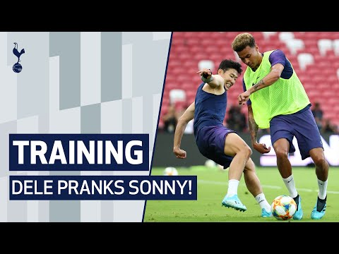 DELE PRANKS SONNY   OPEN TRAINING SESSION IN FRONT OF THE FANS IN SINGAPORE