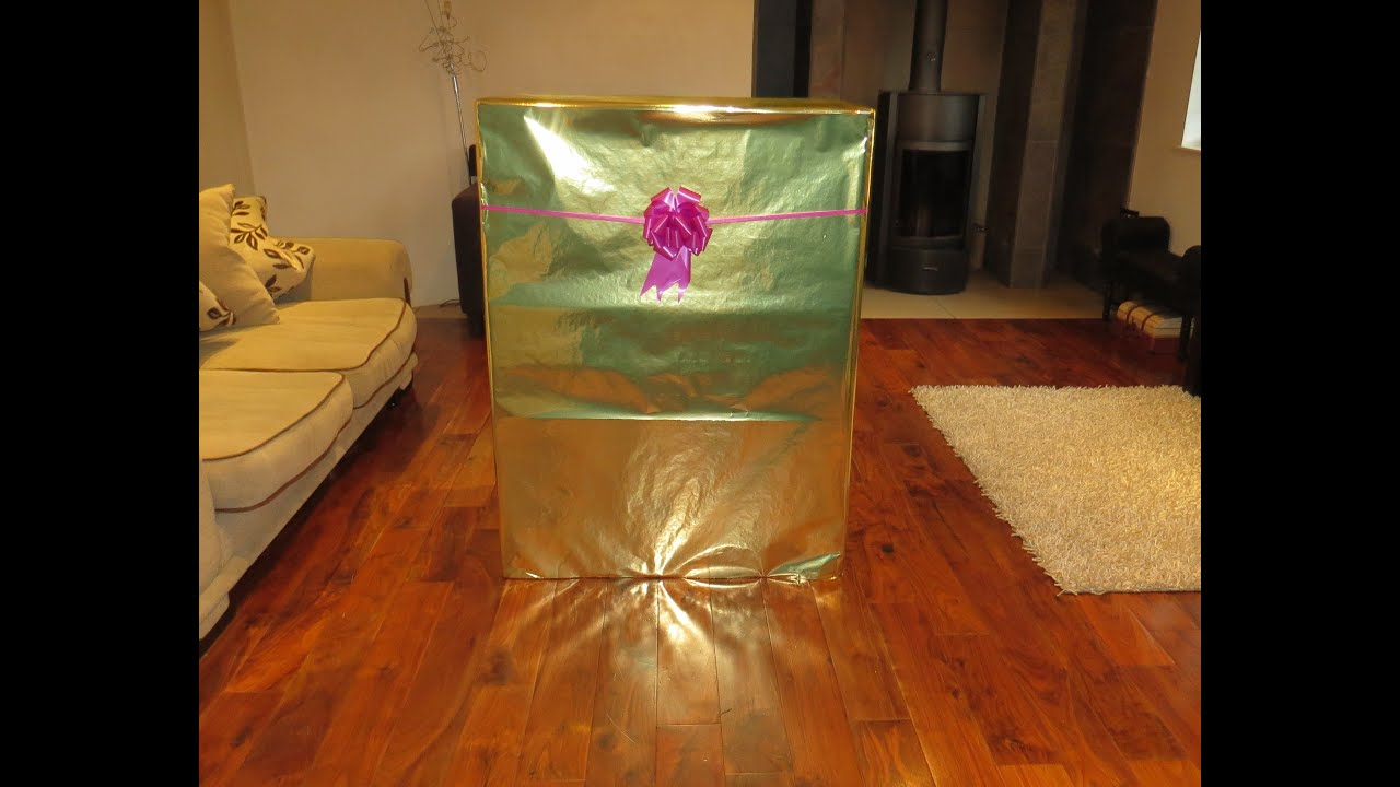 surprise giant present box toy big unboxing step 2 grand walk in