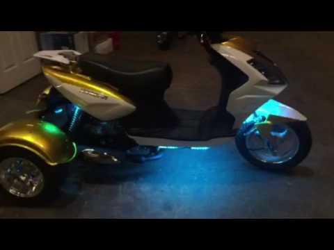 Magic 50cc Scooter Trike 3 Wheel Street Legal PST50-1