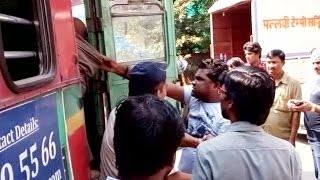 Bus Driver Beaten Up Badly due to an Accident, and Police does Nothing.