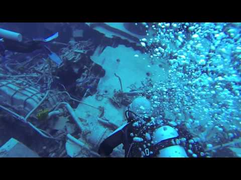 Diving the Edgar Tibbetts, Cayman Brac