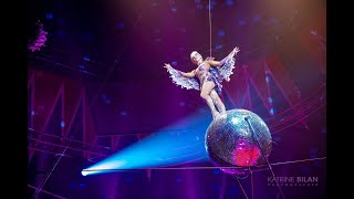 HIGH WIRE ACT, AERIAL ACROBATIC TROUPE CIRCUS VARIETY PERFORMANCE