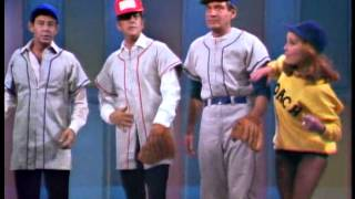 Dean Martin, Eddie Fisher, Abbe Lane & Gene Barry - Baseball