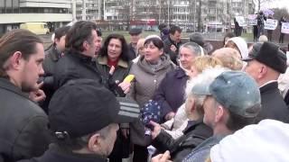 Г.Балашев в Крыму пытался агитировать народ но получил в глаз