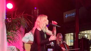 Natasia Bedingfield performs A Little Too Much Live