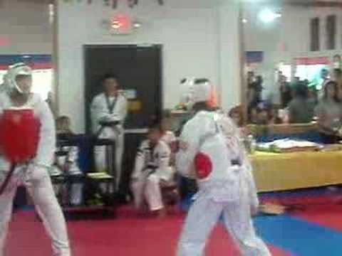 Dennis Chan sparring Daniel at Open House of Sae Han TKD