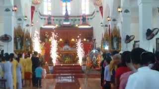 Rước kiệu Thánh Giuse vào nhà thờ - Giáo họ Đồng Bản