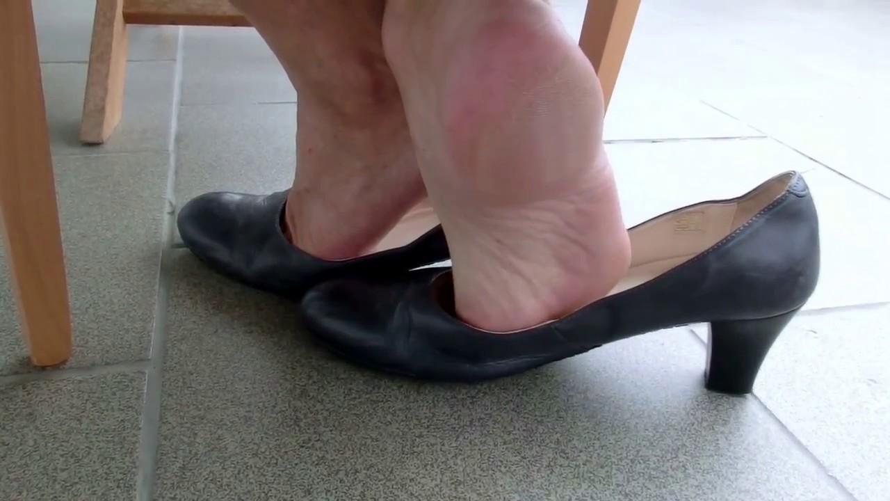 Male Public Shoeplay Porn Images