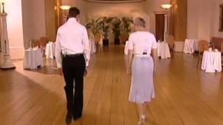 Урок свадебный танец на сайте праздник01.рф(обучение танцам, свадебный танец видео, свадебный танец, уроки вальса и многое другое, на сайте праздник01.рф..., 2013-08-07T15:29:51.000Z)