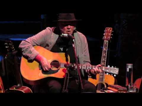 Neil Young - Southern Man - Chicago Theater, Chi IL. Apr 22, 2014