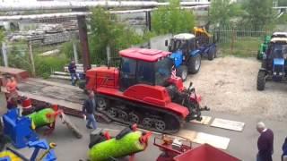Трактор гусеничный МТЗ Беларус-2103 мощностью 212 лс для сельхоз работ