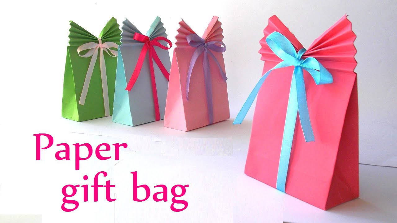 Papercraft DIY crafts: Paper GIFT BAG (Easy) - Innova Crafts