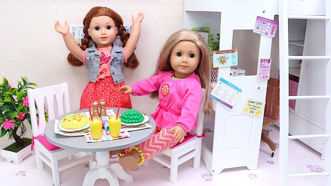 Baby Doll surprises her sister with healthy breakfast! Play Toys