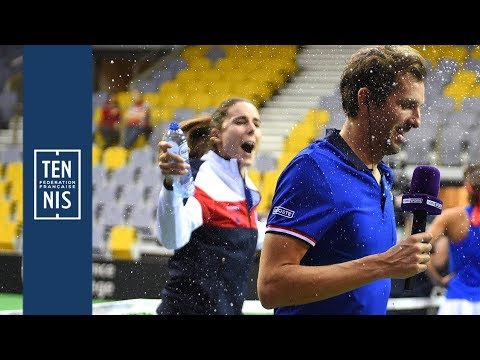 Fed Cup 2019 - Belgique / France la minute bleue n°6 : des sourires et une demie | FFT