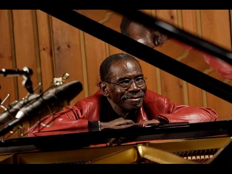 George Cables - Stella By Starlight  (Victor Young - Ned Washington)