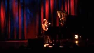 """Famous Blue Raincoat """"flake"""" - Allison Crowe - Lindenpark Potsdam"""