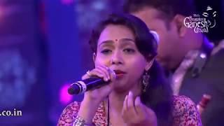 """""""Baaro Bengalurige"""" by Ananya Bhat in the Raghu Dixit concert at the 55th Bengaluru Ganesh Utsava"""