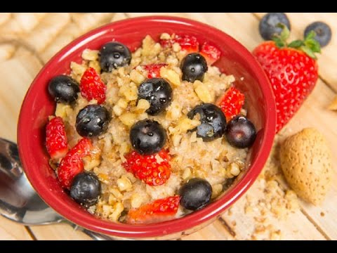 Steel Cut Oatmeal Recipe with Fruit and Nuts