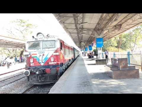 Trains At Hadapsar And Akurdi
