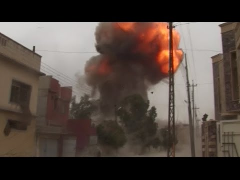Carbomb explodes in Mosul as Iraqi forces advance