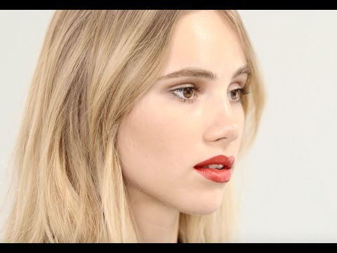How To Do Perfect Party Make Up with Model Suki Waterhouse