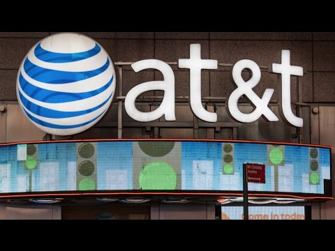 Does It Make Sense for AT&T to Buy Time Warner? (Bloomberg Technology - 10/21/16)