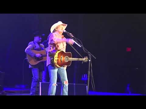 Alan Jackson   Home in memory of his mother, live at Infinite Duluth, Atlanta, 28 January 2017