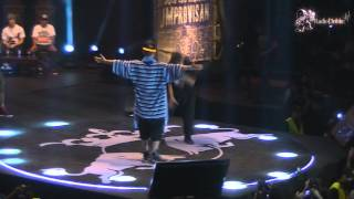 Repeat youtube video Dtoke vs Stigma -Batalla de los Gallos Semifinal Internacional 2013 - Radio Doble HH en MultipolarFM
