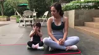 Namaste...Gempi putri Gading Gisel ikut Bunda nya Senam Yoga...