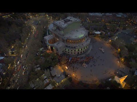 Памяти невинных жертв Геноцида армян: видео факельного шествия в Ереване