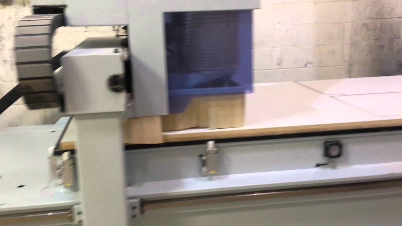 Weeke, Vantage 32s nesting flat table CNC - YouTube