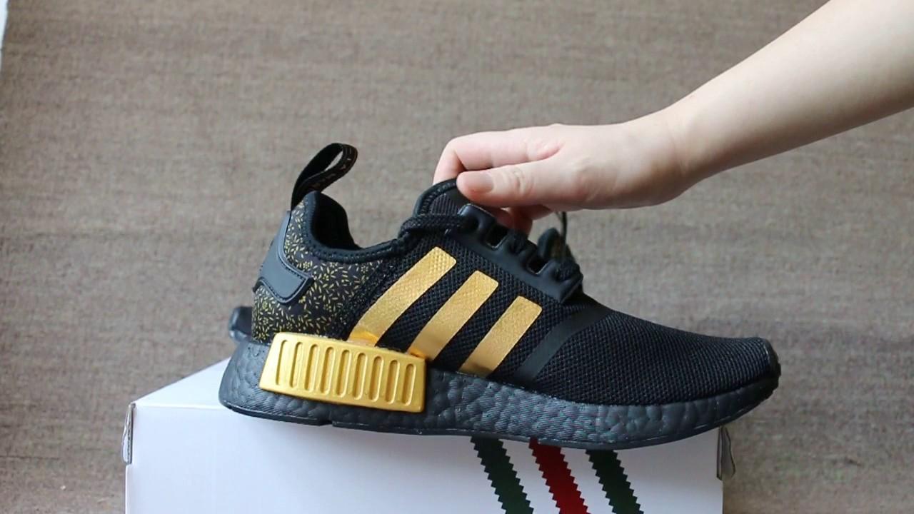 new product ff2ad 076f1 Versace x Adidas NMD R1 Boost