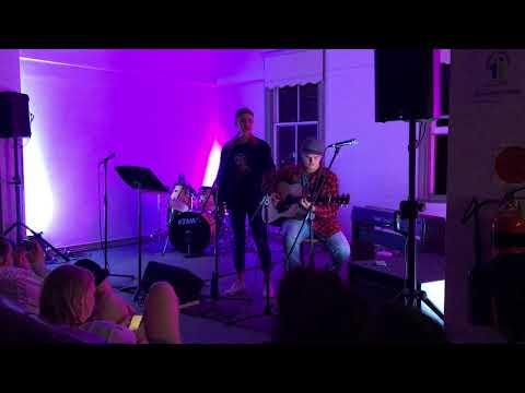 VRIETY HOUR (AUSTIN HALE) - DANCING QUEEN