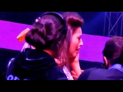 India's Raw Star Anchor Gauhar Khan Slapped EXCLUSIVE RAW FOOTAGE!
