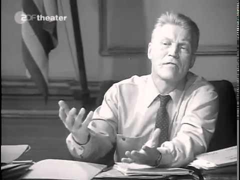 Schwarzer Freitag 1929  Curd Jürgens als Börsenbroker in einem Dokumentarspielfilm