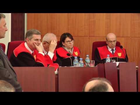 Report TV - Gjykata Kushtetuese shkarkon përfundimisht Elvis Rroshin