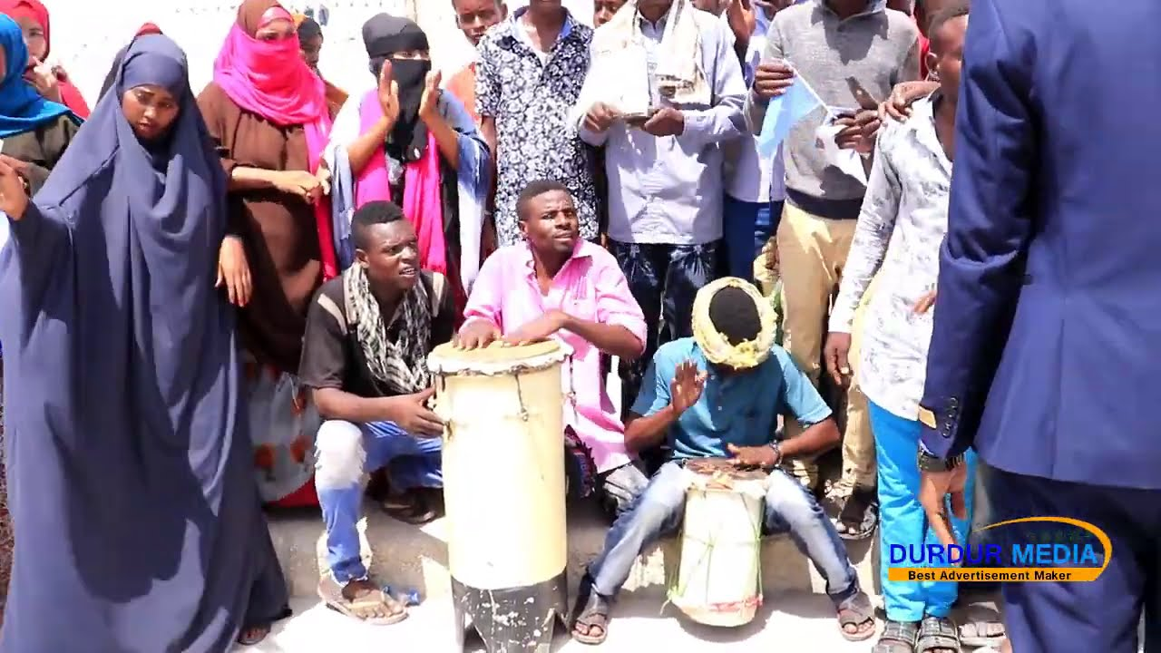 Download NIIKO REER WAABERI OO MUSHARAX KHEYRE LAGU SOO DHAWEEYEY..
