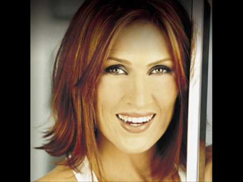 Jo Dee Messina - I Made It Through The Rain - Live (Very Rare)