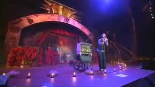 07 Mi Novia se esta poniendo vieja Ricardo Arjona Metamorfosis en vivo HD