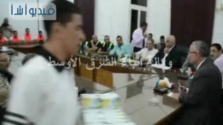 محافظ المنيا يكرم فريق كرة القدم بنادي ناصر بالفكرية لصعودهم للدوري الممتاز ب