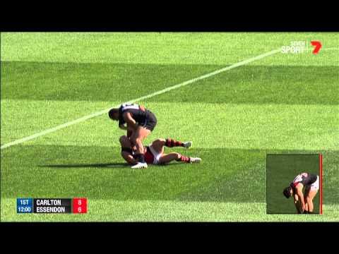 Yarran and Chapman clash - AFL
