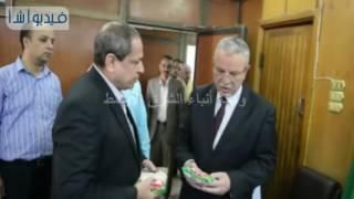 بالفيديو : محافظ المنيا يتابع سير العمل بمجمع المصالح الحكومية ومكتبة مصر العامةHG