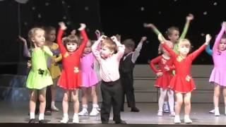 """""""Саванна""""- танцует дети 2-3 года."""